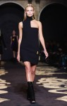 Versace+Milan+Fashion+Week+Womenswear+Autumn+cwNcVEwvxLYl
