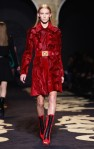 Versace+Milan+Fashion+Week+Womenswear+Autumn+mETZIB_rW1yl