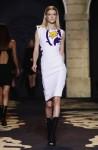 Versace+Milan+Fashion+Week+Womenswear+Autumn+RyTgUi4LNKTl