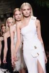 Versace+Milan+Fashion+Week+Womenswear+Autumn+ThvXBt58dncl