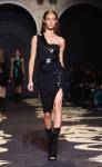 Versace+Milan+Fashion+Week+Womenswear+Autumn+tYL5xKUeu66l