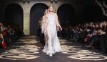 Versace+Milan+Fashion+Week+Womenswear+Autumn+zTWTrndtM96l